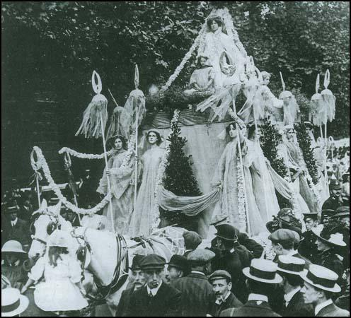 The procession on 17th June 1911 that was organised by Marion Wallace-Dunlop
