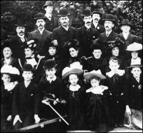 Labour Church congregation in Ashton in 1901